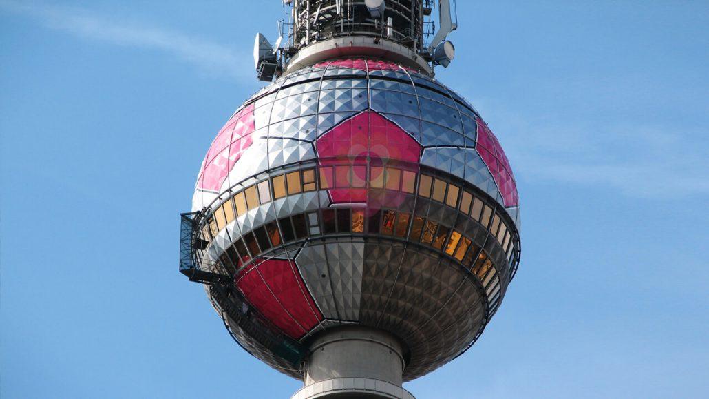 Fernsehturm zur WM berlin fotos kantaberlin